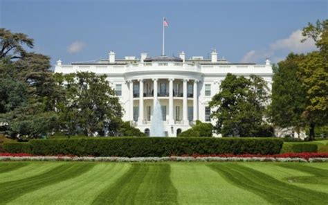 White House Background Check After Failing Background Checks Staffers Escorted From White House