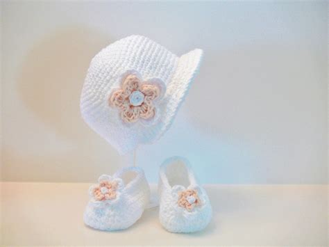 slippers for babies crochet pattern baby hat slippers shoes booties sizes