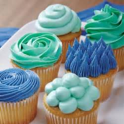 learn the buttercream basics and decorate cupcakes using