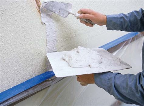 Filling Cracks In Plaster Ceiling by How To Repair Failing Plaster House