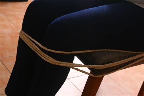 How To Tie A Person To A Chair by Jemanden Mit Einem Seil Fesseln Wikihow