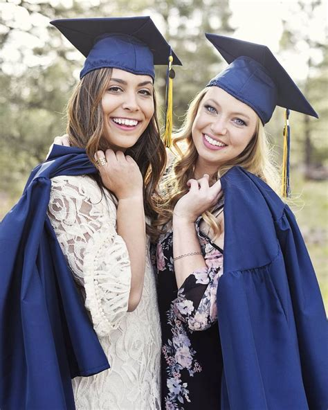 Midland Mba Canvas by Best 25 Graduation Photos Ideas On Grad Photo