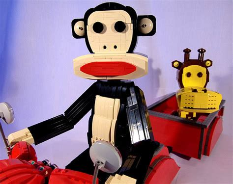 Lego Make By Paul Frank by Julius E Clancy Do Paul Frank Fetos De Lego Em Uma Moto