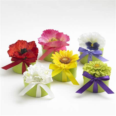 fiori bomboniere bomboniere con i fiori primaverili 3 30091 sposalicious