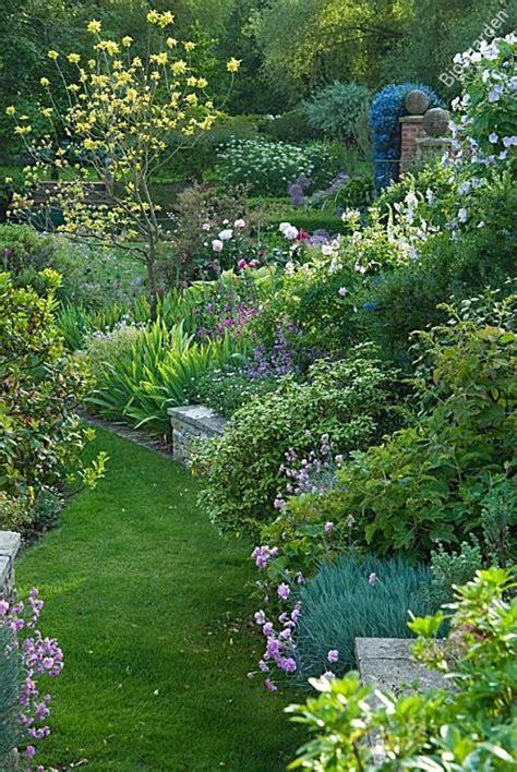 Amenager Pente Jardin by Amenager Jardin En Pente 3 Les 25 Meilleures