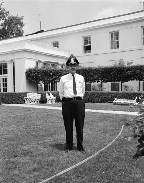 house officer kn 18170 white house police officer john f kennedy presidential library museum