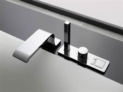 montare vasca da bagno montare il rubinetto della vasca da bagno impianti idraulici