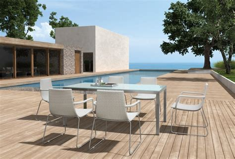Modern Patio Dining Sets Enjoy A Relaxed Dining On The Patio With Modern Furniture La Furniture