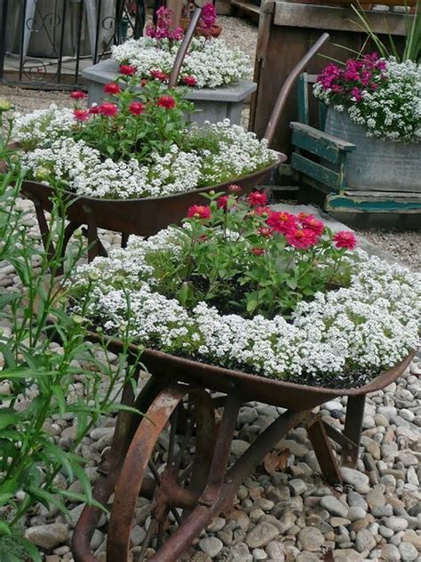 Wheelbarrow Planter Ideas by 15 Diy Ideas For Sprucing Up Your Backyard