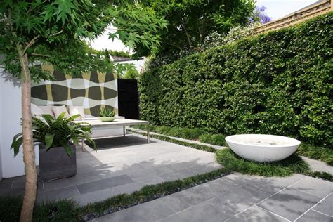 minimalist garden landscaping design for backyard with
