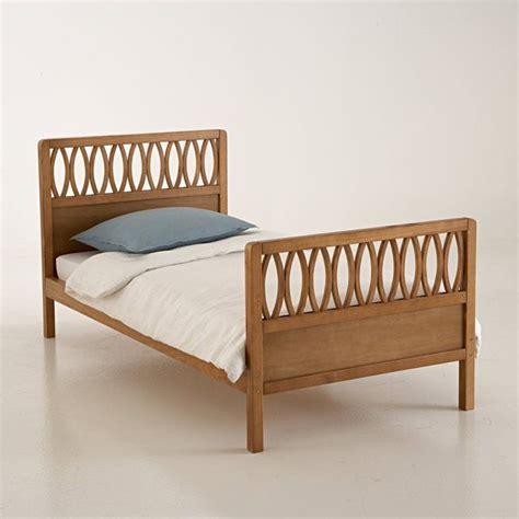 lit d une personne a quel age