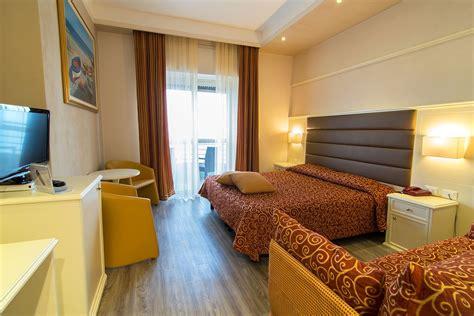 arredi per alberghi arredo contract camere alberghi stile moderno laccato