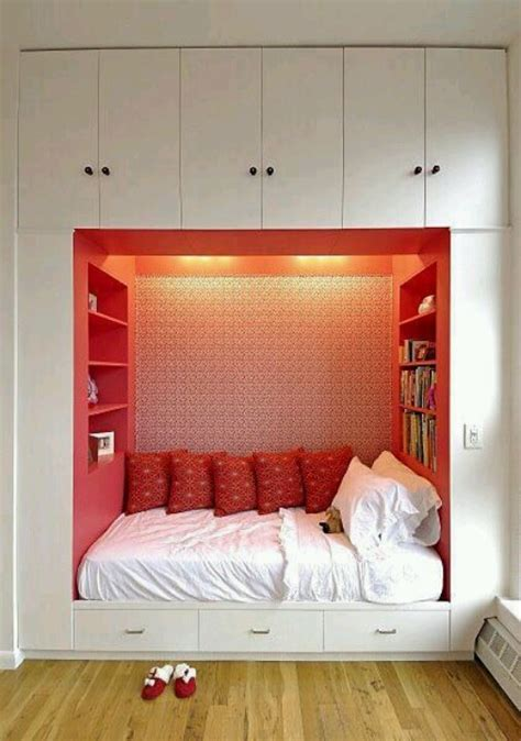 Paint Ideas For A Small Bedroom by 57 Smart Bedroom Storage Ideas Digsdigs