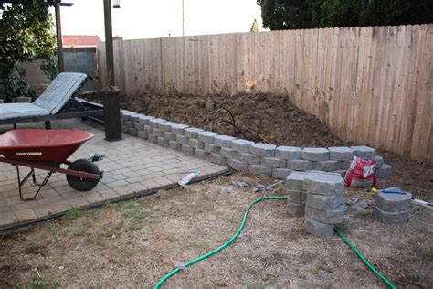 building a retaining wall pt2 paint design