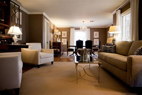 10 shades of brown for your living room