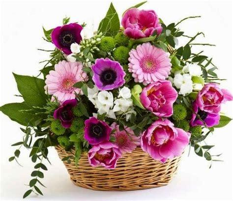 mazzi di fiori per compleanni mazzi di fiori per buon compleanno invito elegante