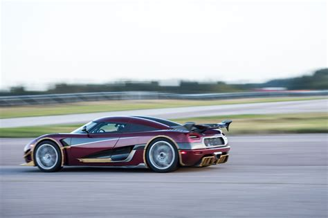 fastest koenigsegg koenigsegg agera rs smashes 0 249mph 0 world record