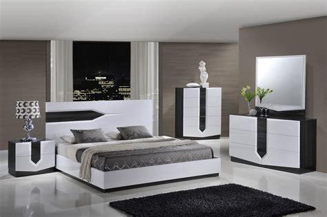 Black And White Bedroom Set by Global Furniture Hudson 4 Platform Bedroom Set In