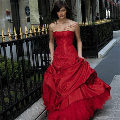 Rotes Hochzeitskleid by Wijde Rode Glamourjurk