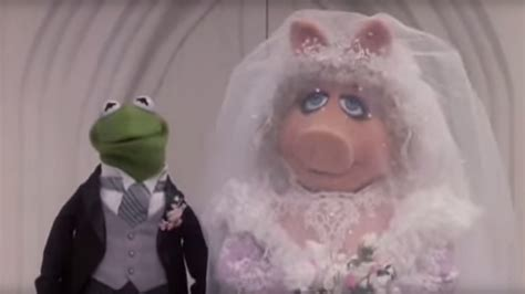 miss piggy and kermit wedding tbt remembering kermit miss piggy s wedding rtm