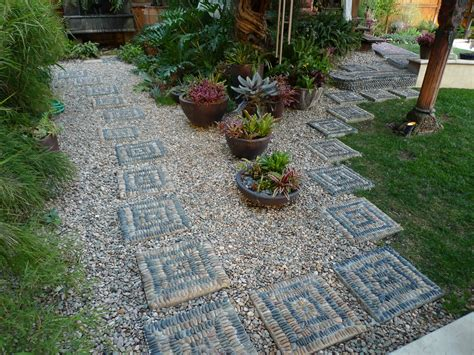 Pebble Rock Garden Designs Jeffrey Bale S World Of Gardens Building A Pebble Mosaic Stepping