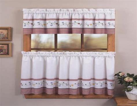 Tirai Kecil by Desain Dapur Kecil Yang Menarik Dengan Tirai Cantik