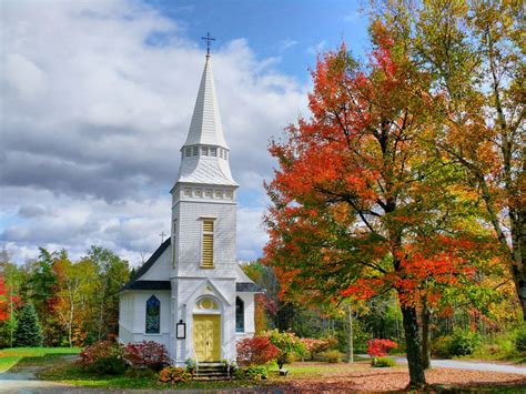 small towns to visit 24 small new england towns you absolutely need to visit
