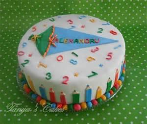 kuchen dekorieren für kindergeburtstag torten einschulung