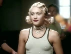 Gwen stefani rocks gorgeous throwback look on instyle cover says she