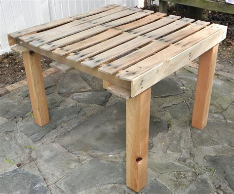 shabby pallet table