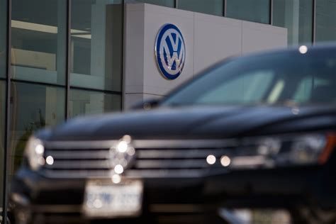 volkswagen canada resumes selling diesel cars  centre  emissions testing scandal toronto star