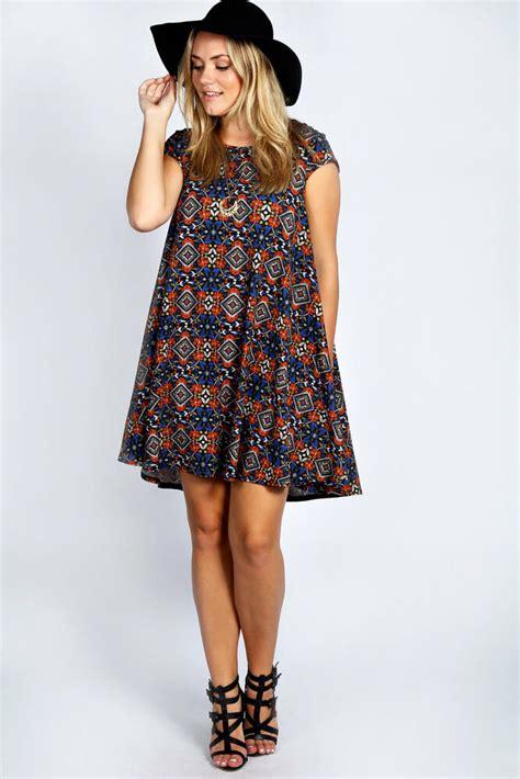 Swing Dresses by Boohoo Womens Plus Size Edie Hip Length Cap Sleeve Swing