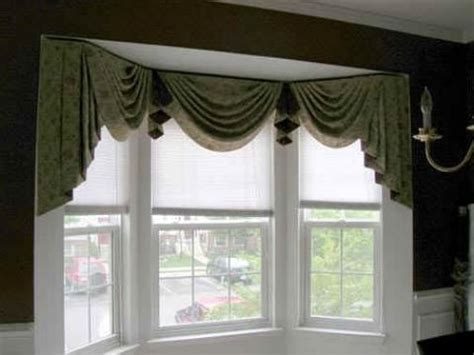 Bow Window Curtains 37 Best Bay Windows Images On Pinterest Bay Windows Bow Windows And Window Coverings
