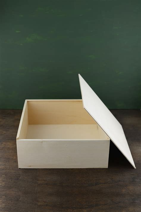 wood box  sliding lid