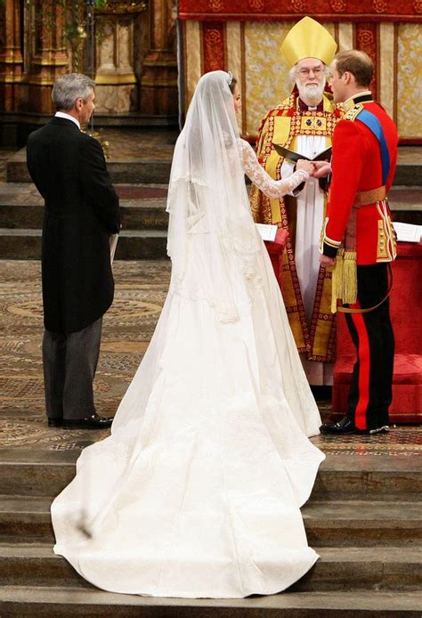 something blue blue ribbon pinned inside her dress usa kate middleton s wedding dress a look back at her