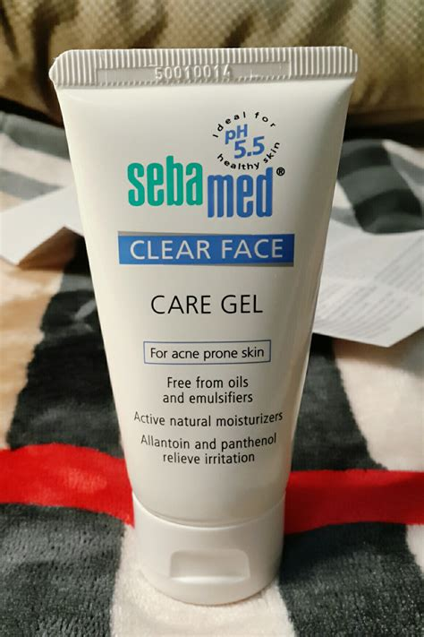 Review Moisturizer Yang Bagus review sebamed clear care gel for acne prone skin