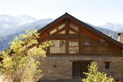 in pietra e legno di montagna in pietra e legno design casa creativa