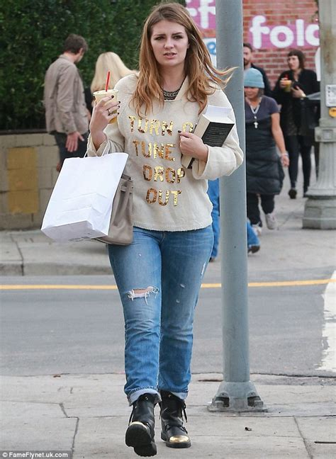 Mischa Barton And Cat Deeley by Mischa Barton Makes A Rebellious Statement As She Displays