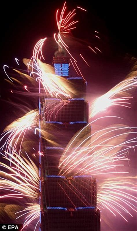 taiwan new year 2015 show sydney kicks new year celebrations with seven tonnes