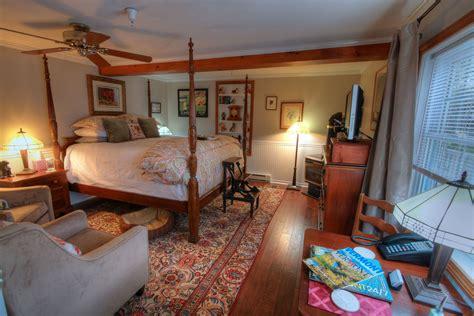 honeymoon suite phineas swann bed  breakfast inn