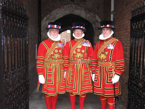 Pelapis Wardah meet the yeoman warders the uk s children s