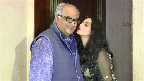 sridevi with her husband sridevi kissing husband boney kapoor in public youtube
