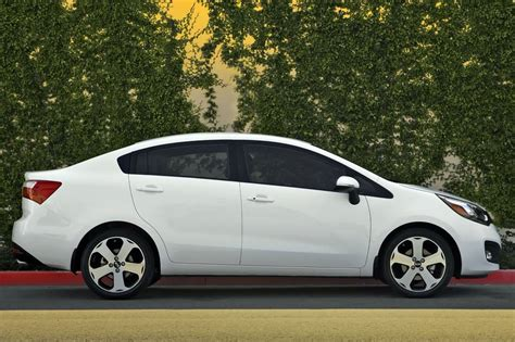 kia sedan 2014 price used 2014 kia sedan pricing for sale edmunds