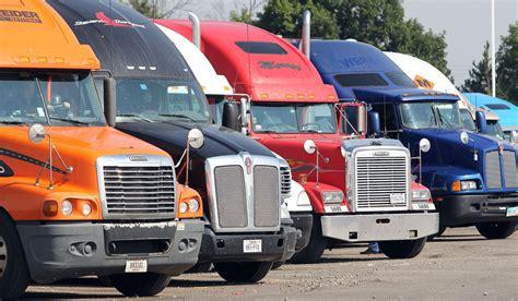 semi truck pictures fleet of semi trucks truckers welcome pinterest