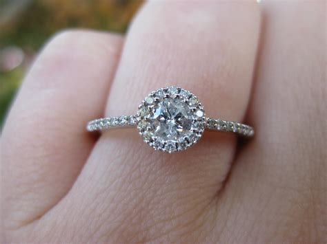 an engagement ring how to buy an engagement ring on a budget purejoy events