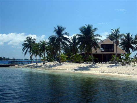 island house tropical island vacation rental little cay utila the bay islands honduras
