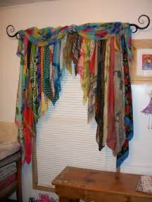 How To Hang A Scarf Valance On A Curtain Rod Best 20 Scarf Curtains Ideas On Pinterest Curtain Scarf