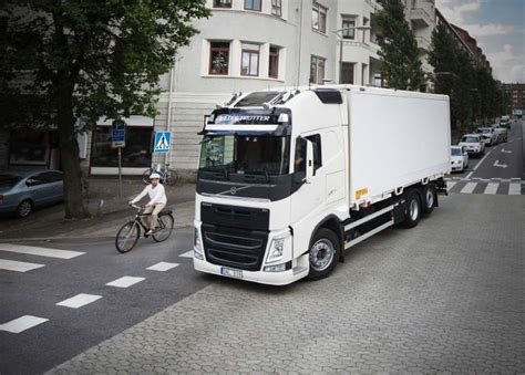 Volvo Electric Truck 2019 by In 2019 Volvo Trucks Will Begin Selling Electric Trucks