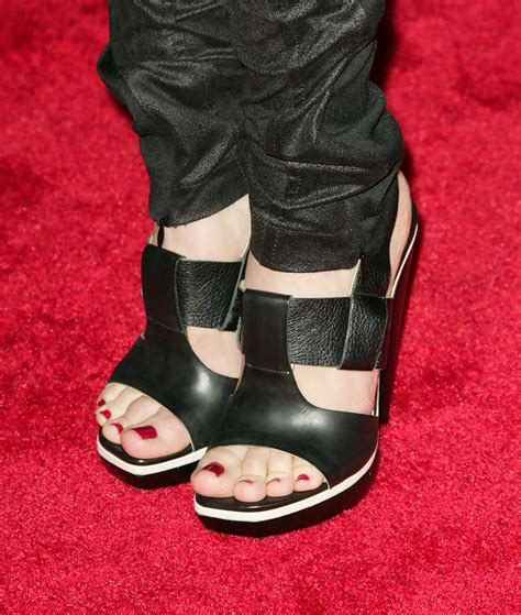 Eliza Heels 1 eliza dushku platform sandals eliza dushku heels looks stylebistro