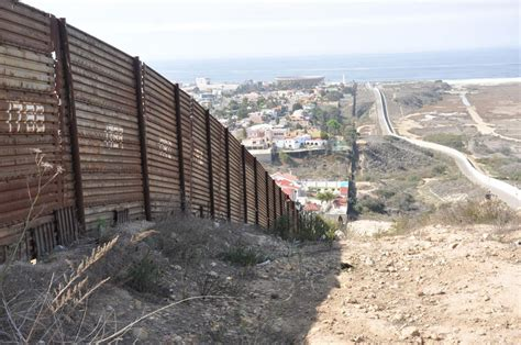 pictures of the mexico border let s look at the mexican border wall that s already been